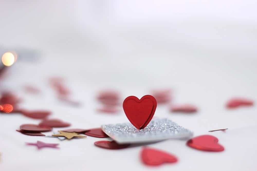 ca90b1db pexels djurdjina phdjiz 3687981 - Rekindling romance: Creative ways to show your love this Valentine's Day